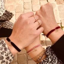 Gang of velvet ✨ Le petit cadeau parfait pour les fêtes de fin d'année !  Bon dimanche à tous ... . #velours #velvet #artisanat #padampadam #mode #bijoux #bracelet #jewels #madeinfrance