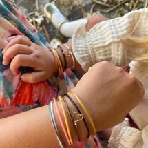 Comme un joli Mercredi d'automne... Passez une merveilleuse journée avec eux !  . #semainierlovelyautumn #semainiercolors #lovelyautumn #madeinfrance #padampadam #mercredi #mereetfille #motheranddaughter #bijouenfant #padampadamparis #lecoeuralaperle