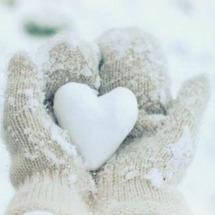 Un week-end comme on les aime ... Bon dimanche à vous tous ❄️ . #coeur #amour #neige #snow #mouffle #love #heart #padampadam