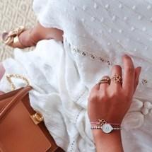 Good morning week-end ✨ La jolie @eninad42 avec notre bracelet trèfle fête des mère accompagné de notre jolie bague mon trèfle 🍀  On est fan ! Merci pour cette magnifique photo !!!  . #padampadam #chance #trefle #collectionchance #madeinfrance #mode #jewelry #padampadamparis