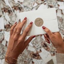 On dit «oui» à l'amour et aux jolis faire part de mariage ♡  . Merci à la belle @claudia.dfce pour cette magnifique photo de notre bague oui et de notre Perlisien «amour» ... On vous embrasse et on vous souhaite un beau week-end... . #oui #padampadam #amour #perlisien #ring #padampadamparis #mode #fairepart #mariage #weeding