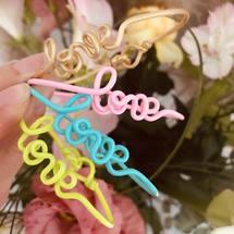 Mood of the day ... Colors and love 💕 On vous souhaite une époustouflante journée sous le soleil ☀️  . #padamcolors #sun #love #padampadam #madeinfrance #artisanat #padampadamparis #bracelets
