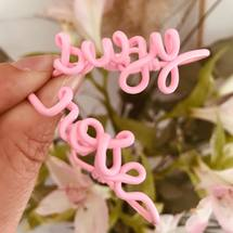 Pour les petites  Suzy et Rose ♡  Voyez la vie en Colors ... Belle journée à tous ! . #suzy #rose #colors #padampadam #padamcolors #mode #bracelet #padampadamparis #braceletperdonnalise #personnalisation #madeinversailles #madeinfrance
